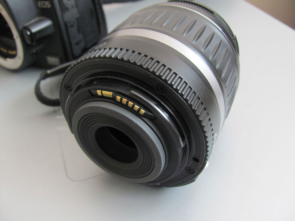 Canon «Err 60: An error occurred preventing shooting, the lens movement may be obstructed»: Отключите и снова подключите объектив